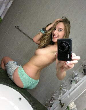 Broad takes provocative selfies in the bathroom and gets banged in the kitchen