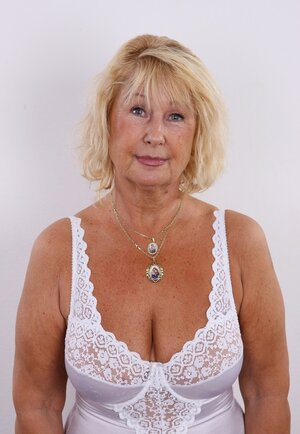 Old diva shamelessly shows off saggy natural titties and hairy twat