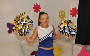 Teenage cheerleader with nice cherry gets tired of dancing and additionally goes wanking