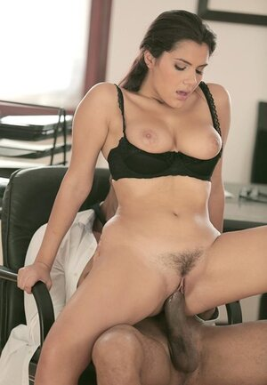 Secretary with fantastic assets every single time happy to please sex needs of Ebony boss