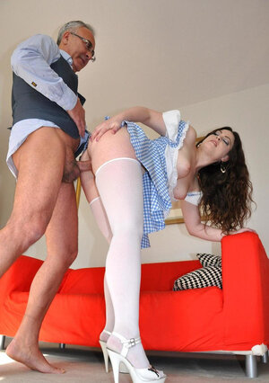 Diva in Cinderella outfit penetrated and besides cummed in vitiated twosome