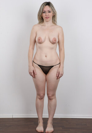 Mom i`d like to fuck has a superb job - she uncovers saggy body the whole day on camera